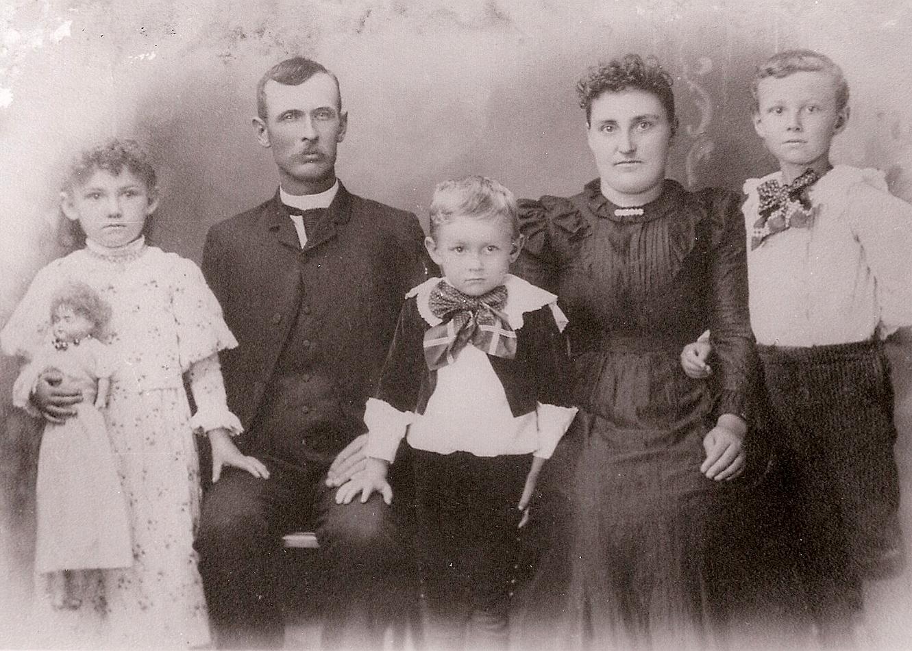 Josiah Rose Hinchman Family 1896